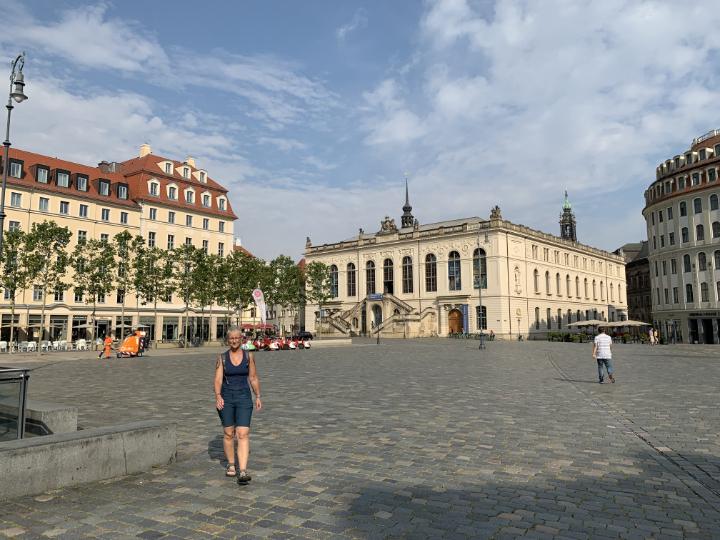 Alex auf dem Platz vor der Frauenkirche