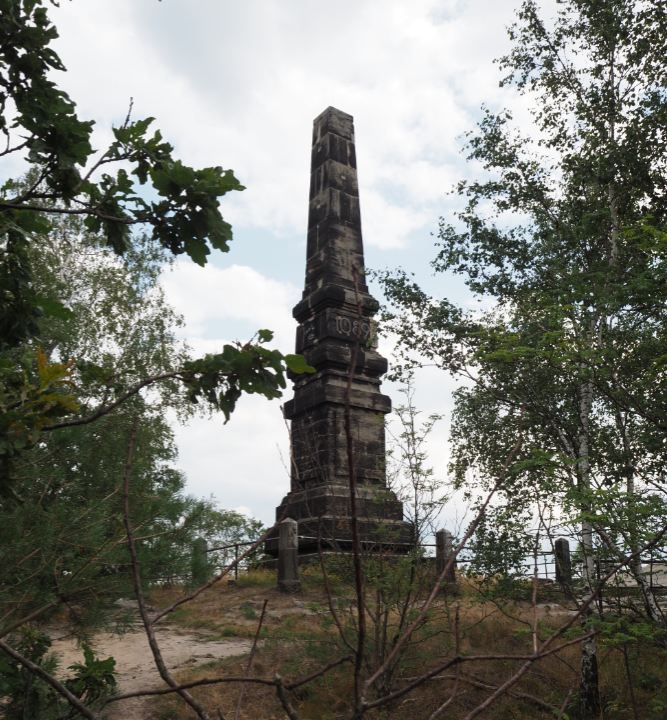 Der Obelisk auf dem Lilienstein