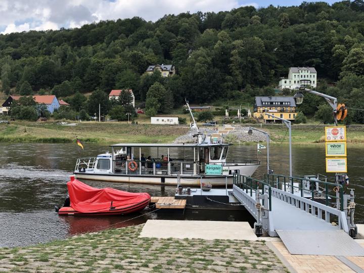 Die kleine Fähre zwischen Königstein und Halberstadt